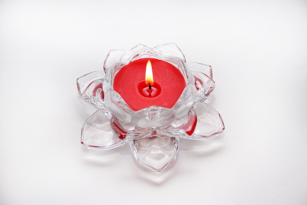 Red-Color-Glass-Lotus-candle